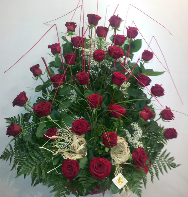 Centro de 36 rosas rojas barcelona - Centros de plantas naturales ...